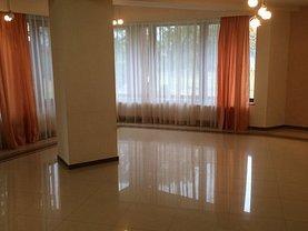 Casa de vânzare sau de închiriat 6 camere, în Mogoşoaia