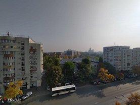 Apartament de închiriat 3 camere, în Bucureşti, zona Central