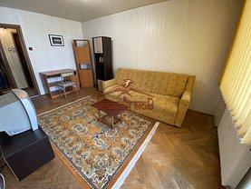 Apartament de închiriat 3 camere, în Făgăraş, zona Central