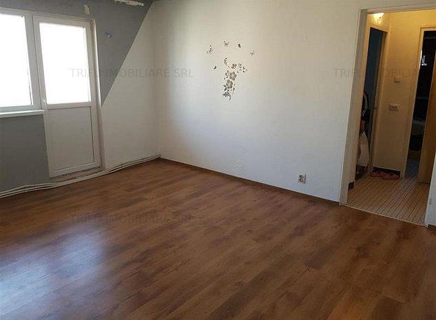 Apartament 3 camere Cetate - imaginea 1