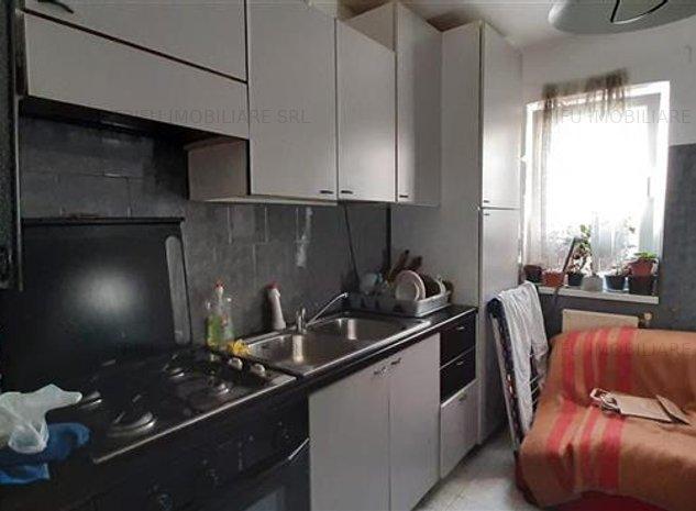 Apartament 3 camere, Cetate - imaginea 1