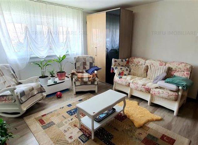 Apartament 2 camere Cetate, complet renovat - imaginea 1