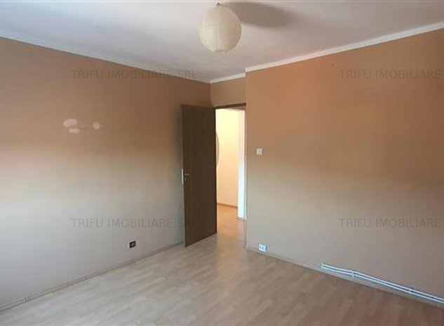 Apartament 3 camere,64mp, decomandat, zona Stadion - imaginea 1