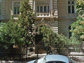 Casa 30 camere în Bucuresti, Universitate