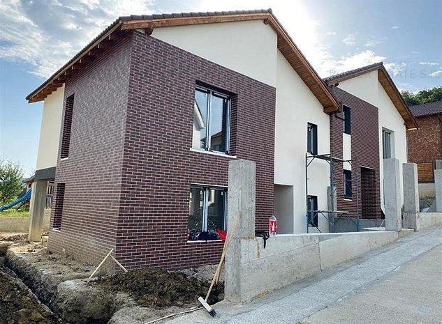 Casa Tip Duplex,zona exclusiv de case!130 mp utili,Suprafata  teren 250 mp - imaginea 1