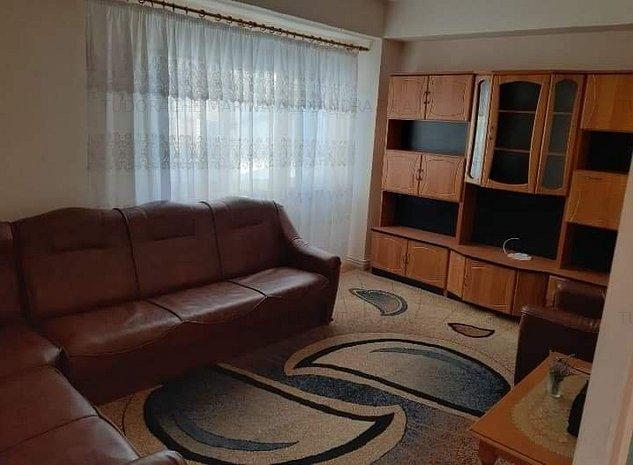 Inchiriere apartament 4 camere, semicentral Targoviste UNC657 - imaginea 1