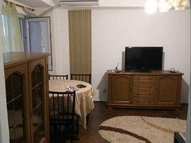 Apartament de închiriat 3 camere, în Târgovişte, zona Central