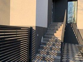 Casa de vânzare 5 camere, în Iaşi, zona Tătăraşi