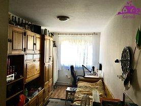 Apartament de vânzare 3 camere în Oradea, Cantemir