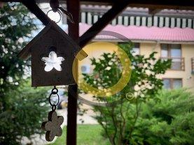 Casa de vânzare sau de închiriat 7 camere, în Frumuşani