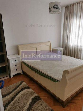 Apartamentu cu 3 dormitoare decomandate in cariterul Zorilor - imaginea 1