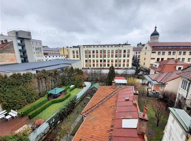 Apartament spatios de 126 mp utili, ultracentral, in zona Teatrului National! - imaginea 1