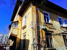 Casa de vânzare 11 camere, în Bucureşti, zona Vatra Luminoasă