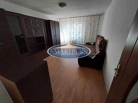 Apartament de închiriat 3 camere în Satu Mare, Micro 15
