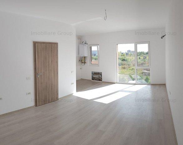 Apartament cu două camere de vânzare - imaginea 1