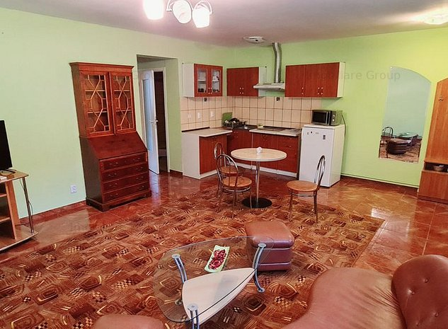 Apartament cu doua camere de inchiriat in zona centrala - imaginea 1
