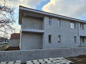 Casa de vânzare 4 camere, în Dumbrăviţa, zona Lipovei