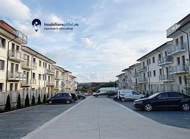 Ultimul apartament! 3 camere decomandat, 2 bai, loc parcare - imaginea 1