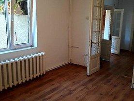Casa de închiriat 6 camere, în Bucureşti, zona Romană