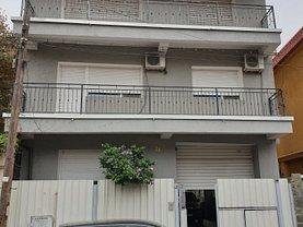Casa de vânzare 8 camere, în Bucureşti, zona Parcul Carol