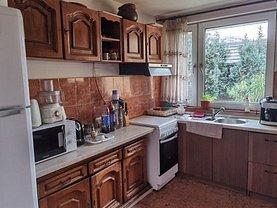 Casa de vânzare 7 camere, în Oradea, zona Iosia