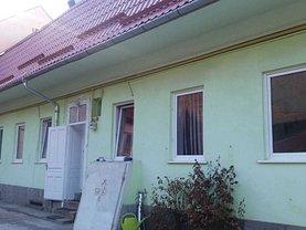 Casa de închiriat 4 camere, în Braşov, zona Central