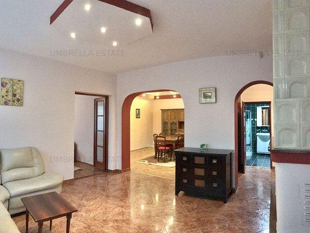 Casa ideala pentru o familie sau birouri,  zona Farmec - imaginea 1