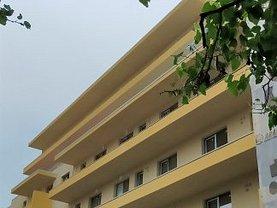 Apartament de vanzare 3 camere, în Bucureşti, zona Universitate