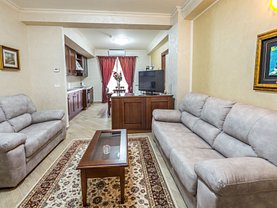 Apartament de închiriat 3 camere, în Constanţa, zona Carrefour