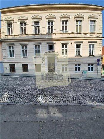 Garsoniera moderna 48 mp in Centrul Istoric din Sibiu - imaginea 1