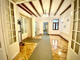Casa de vânzare 11 camere, în Bucureşti, zona Calea Victoriei