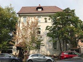 Casa de vânzare 9 camere, în Bucureşti, zona Parcul Carol
