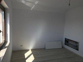 Casa de vânzare sau de închiriat 4 camere, în Iaşi, zona Popas Păcurari