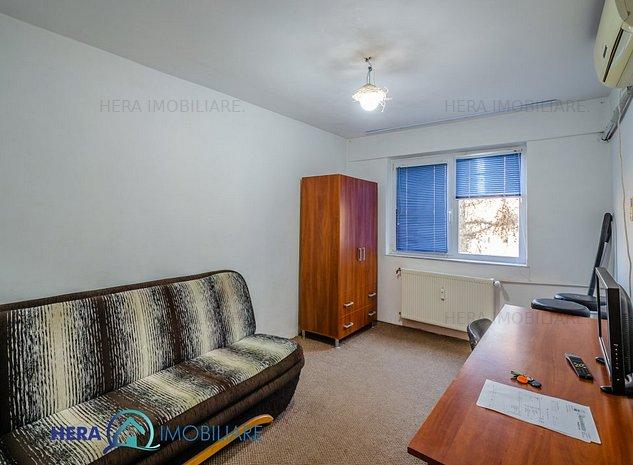 Garsoniera confort 2 zona Intim etaj 3 - imaginea 1