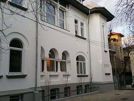 Casa de închiriat 13 camere, în Bucureşti, zona Capitale
