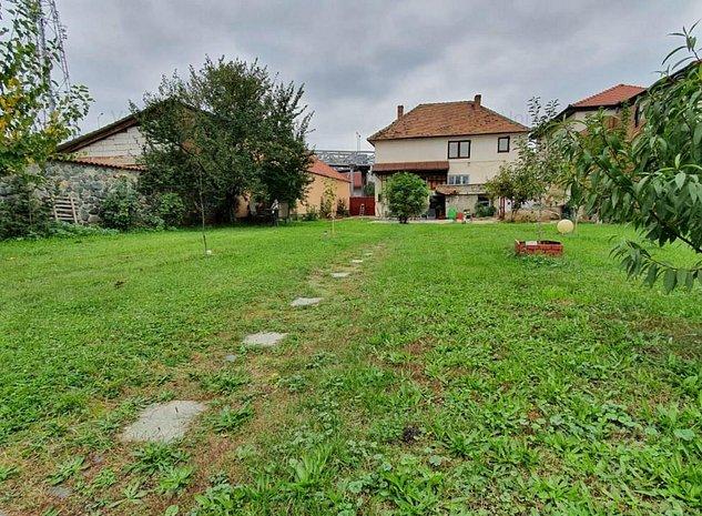 Casa singur in curte D+P+E+P cu 6 camere si 922 mp de teren in zona Piata Cluj - imaginea 1