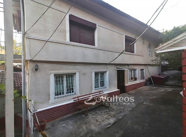 Reșița, casă, două corpuri,9 camere, teren 2112 - imaginea 1