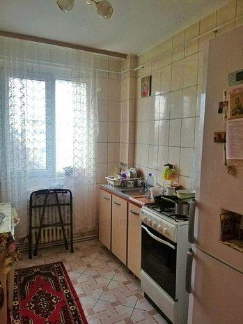 Apartament cu 2 camere, zona Podu Ros - imaginea 1
