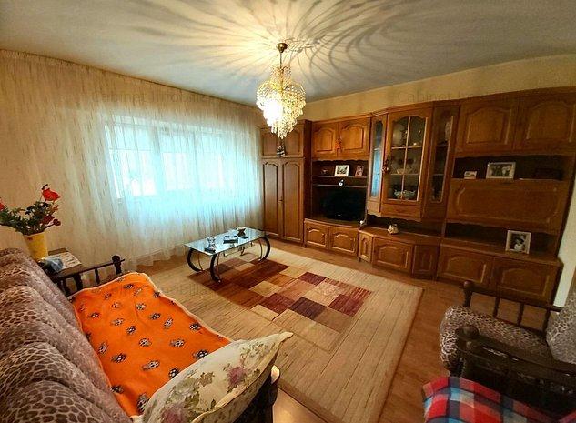 Apartament 4 camere, zona Nicolina - imaginea 1