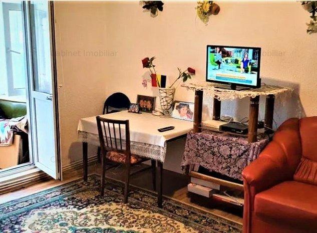Apartament cu 3 camere semidecomandat - zona Mircea cel Batran - imaginea 1