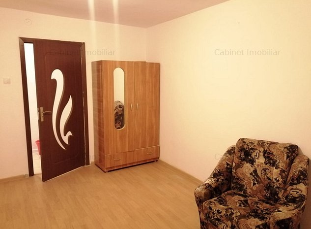 Apartament cu 2 camere decomandat, etajul 1, Podu Ros - imaginea 1