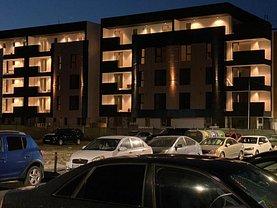 Apartament de vanzare 3 camere, în Bucureşti, zona Berceni