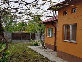 Casa de vânzare 2 camere, în Dărmăneşti