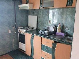 Apartament de închiriat 2 camere, în Buzău, zona Micro 3