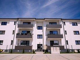 Apartament de vânzare 3 camere, în Şelimbăr, zona Central