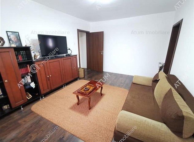 Apartament renovat la etajul 2 cu 3 camere  in zona Ciresica din Sibiu - imaginea 1