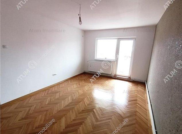 Apartament de vanzare in Sibiu zona Calea Dumbravii 3 camere decomandate - imaginea 1