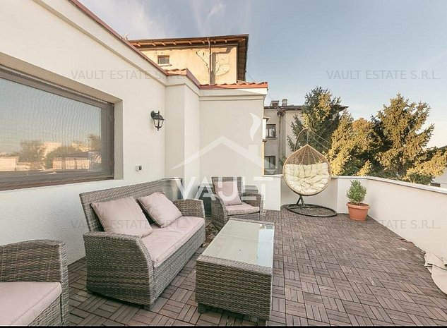 Cod P2021-Casa(235mp)+curte (100mp)-P-ta Romana-Intrarea Moneasa-D+1+M - imaginea 1