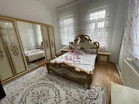 Casa de închiriat 10 camere, în Bucureşti, zona Vitanul Nou