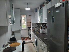 Apartament de vânzare 3 camere, în Turda, zona Central